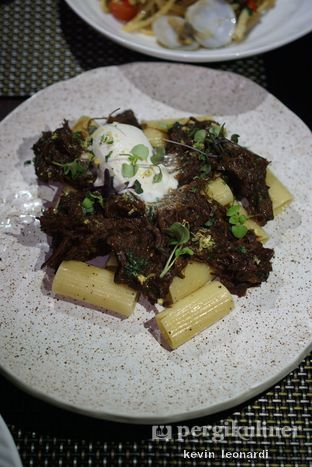 Foto 4 - Makanan(Rigatoni Al Ragu) di Skye oleh Kevin Leonardi @makancengli