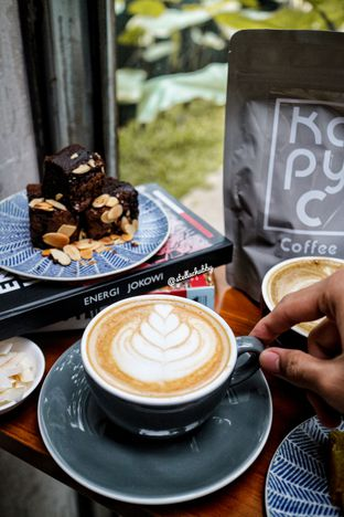Foto 1 - Makanan di Kapyc Coffee & Roastery oleh Stellachubby