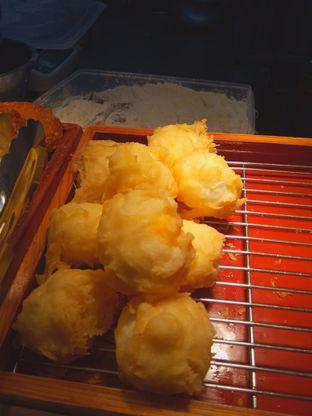 Foto 10 - Makanan di Marugame Udon oleh Renodaneswara @caesarinodswr