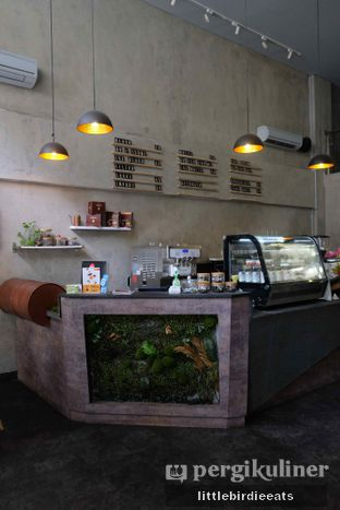 Foto 3 - Interior di Awesome Coffee oleh EATBITESNAP // Tiffany Putri