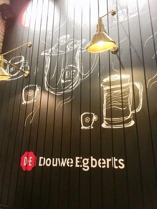 Foto 2 - Interior di Douwe Egberts oleh Prido ZH