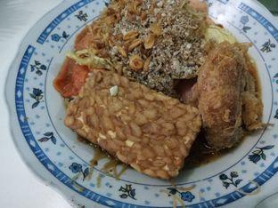 Foto 3 - Makanan di Nasi Ulam Garuda Ibu Juju oleh Fuji Fyufyu