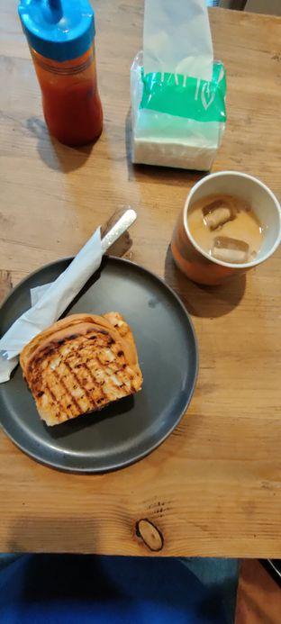 Foto review Roti Eneng oleh Joshua Theo 1