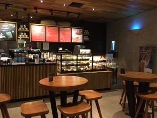 Foto 7 - Interior di Starbucks Coffee oleh Elvira Sutanto