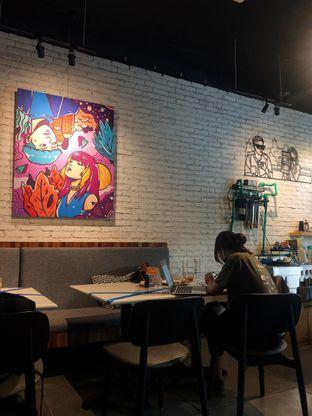 Foto 2 - Interior di Chief Coffee oleh kdsct