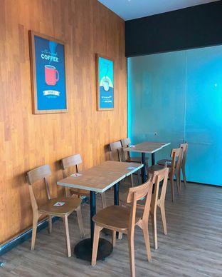 Foto 11 - Interior di Maxx Coffee oleh yudistira ishak abrar