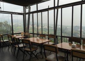 8 Tempat Makan Dengan View Bagus di Bandung untuk Santai Sejenak