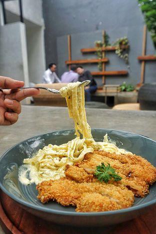 Foto 5 - Makanan(Fettucine Carbonara) di Kopi Nalar oleh Fadhlur Rohman