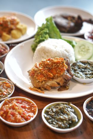 Foto 1 - Makanan di Sambal Khas Karmila oleh Nanakoot