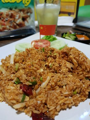 Foto 4 - Makanan(Nasgor Ayam Szechuan) di Nasi Goreng Diplomat oleh Clara Yunita