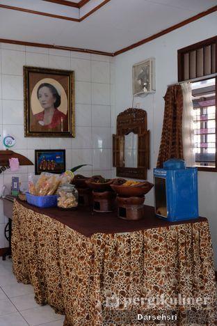 Foto 9 - Interior di Ayam Goreng Bacem Mbok Sum oleh Darsehsri Handayani