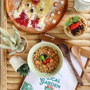 Foto 4 - Makanan(Sunshine granola bowl) di The Local Garden oleh Stellachubby