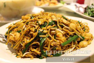 Foto 3 - Makanan(Bakmi Goreng Seafood) di New Cahaya Lestari oleh Velvel