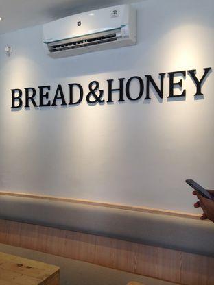 Foto review Bread & Honey oleh Almira  Fatimah 1