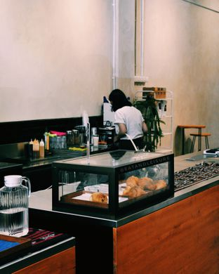 Foto 8 - Interior di Makmur Jaya Coffee Roaster oleh Eat and Leisure