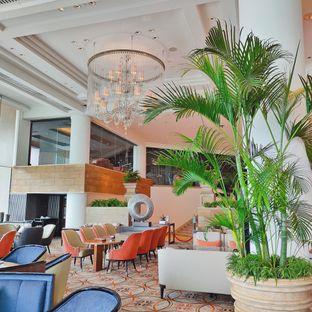Foto 5 - Interior di Fountain Lounge - Grand Hyatt oleh Aurora Viana