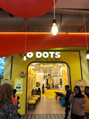 Foto 3 - Interior di Dots Donuts oleh G S T