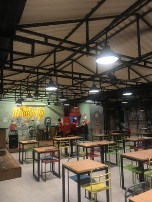 Foto review What's Up Cafe oleh WhatToEat  5