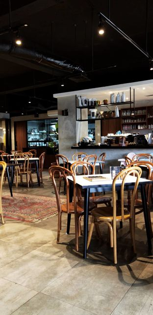 Foto 5 - Interior di Soeryo Cafe & Steak oleh Merlin makan
