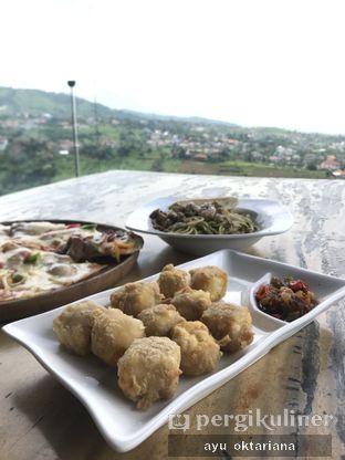Foto 2 - Makanan di Skyline oleh a bogus foodie