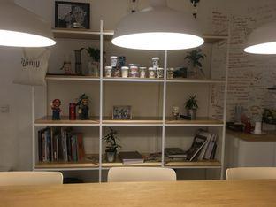 Foto 8 - Interior di Yumaju Coffee oleh Prido ZH