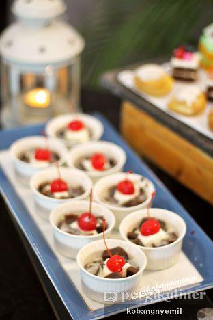 Foto 6 - Makanan di Canting Restaurant - Teraskita Hotel managed by Dafam oleh kobangnyemil .
