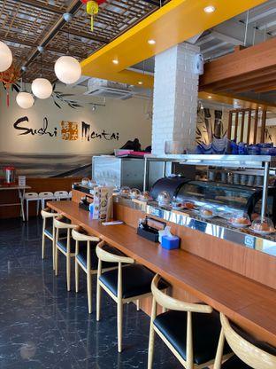 Foto 15 - Interior di Sushi Mentai oleh Jeljel