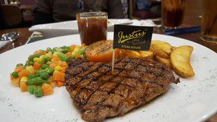 Foto review Justus Burger & Steak oleh Michelle Sondjaja 1