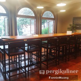 Foto 7 - Interior di Upnormal Coffee Roasters oleh Fannie Huang||@fannie599