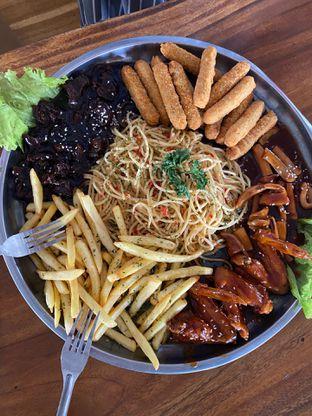 Foto review BLW Cafe oleh Nadhira Lutfiah 1