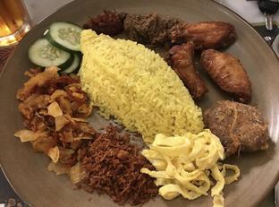 Foto 1 - Makanan di Sate Khas Senayan oleh @eatfoodtravel