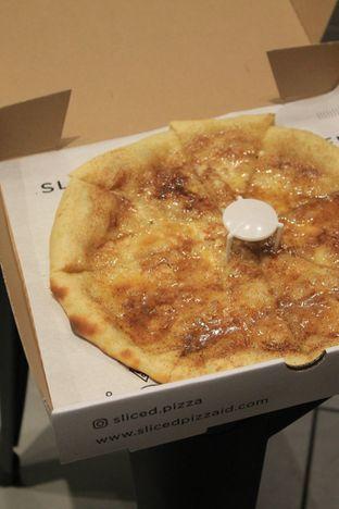 Foto 32 - Makanan di Sliced Pizzeria oleh Prido ZH