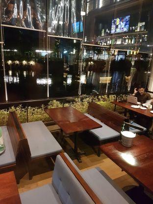 Foto 9 - Interior di BREWERKZ Restaurant & Bar oleh Olivia @foodsid