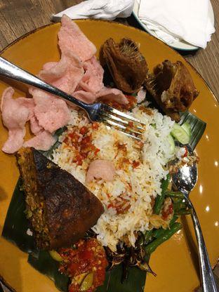 Foto - Makanan(nasi ayam goreng ...) di Marco Padang Grill oleh Misstique Brown