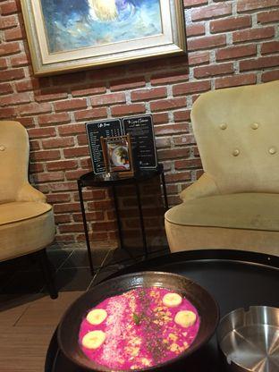 Foto 3 - Interior di Mula Coffee House oleh Nauval