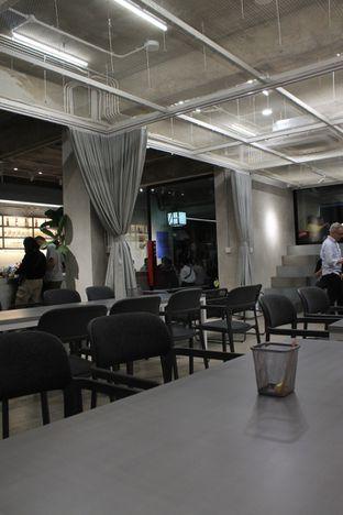 Foto 2 - Interior di Tu7uhari Coffee oleh Prido ZH