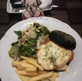 Foto Chicken Burger di The Bailey's and Chloe