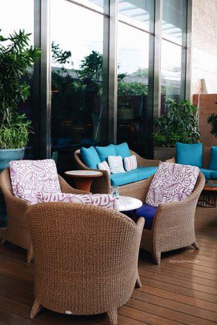 Foto 36 - Interior di The Writers Bar - Raffles Jakarta Hotel oleh Indra Mulia