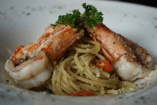 Foto 6 - Makanan(Spaghetti Prawn Aglio Olio) di Thirty Three by Mirasari oleh eatwerks
