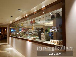 Foto 11 - Interior di Mandarin Oriental Cake Shop - Mandarin Oriental Hotel oleh Ladyonaf @placetogoandeat