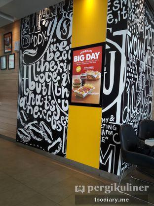 Foto 1 - Interior di McDonald's oleh @foodiaryme | Khey & Farhan