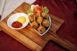 Foto 4 - Makanan(Bitter Ballen) di Braga Permai oleh Fadhlur Rohman