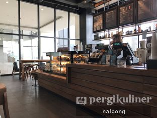 Foto 2 - Interior di Starbucks Coffee oleh Icong