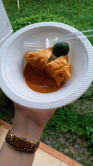Foto 2 - Makanan di Batagor Riri oleh Viaoctanshao