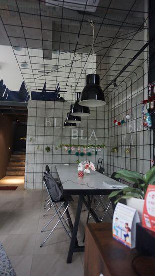 Foto 1 - Interior di JnF Coffee & Eatery oleh Meri @kamuskenyang