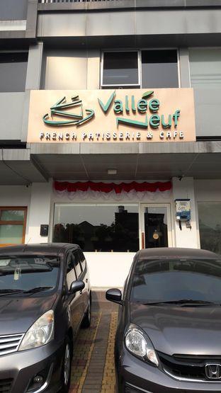 Foto 1 - Eksterior(Tampak luar) di Vallee Neuf Patisserie oleh Perjalanan Kuliner