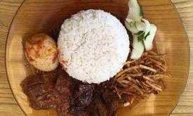 Nasi Campur Makassar Nona Lanny