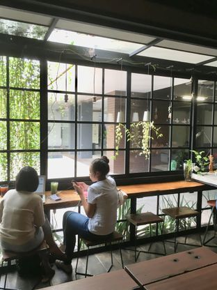 Foto 15 - Interior di Fillmore Coffee oleh Prido ZH