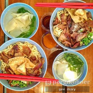 Foto - Makanan(Mie Pangsit Special Besar) di Baji Pamai oleh Genina @geeatdiary