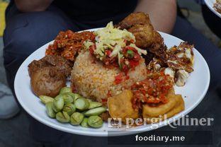 Foto 5 - Makanan di Sambal Khas Karmila oleh @foodiary.me | Khey & Farhan